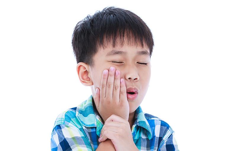 むし歯はお子さまの将来に影響
